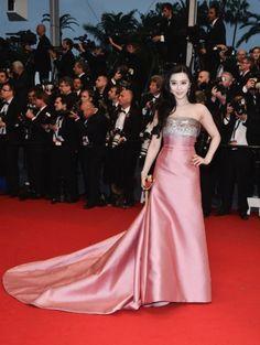 Fan Bingbing in een jurk van Louis Vuitton en juwelen van Chopard tijdens Cannes Film Festival.