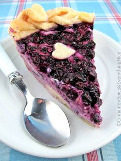 Blueberry Cream Cheese Pie- looks yummy and tasty! Blueberry Cream Cheese Pie, Blueberry Cheesecake Pie, Just Desserts, Delicious Desserts, Yummy Food, Cold Desserts, Croissants, Yummy Treats, Sweet Treats