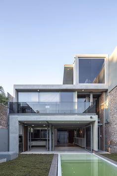 Mercedes House / Frazzi Arquitectos