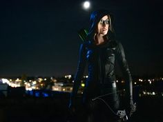 See new photos from the 'Arrow' episode 'Green Arrow & the Canaries,' which will serve as backdoor pilot for a show starring Katherine McNamara, Katie Cassidy, and Juliana Harkavy. Katherine Mcnamara, Green Arrow, The Cw, Superboy Young Justice, Dinah Drake, Maze Runner The Scorch, Oliver And Felicity, Felicity Smoak, Team Arrow