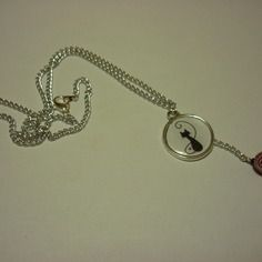 Collier chaîne et pendentif cabochon en résine avec chat, petit coeur et perles rouge pailletée DIY