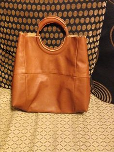 Shopper from leather sofa