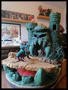 Castle Grayskull (Masters of the Universe) Custom Diorama / Playset
