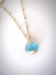 Beachglass bijoux de seaglass Collier or à par JewelryByMaeBee