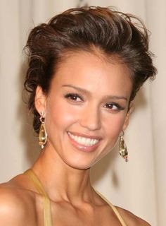 """For all you bride to be's out there.....when looking for a sophisticated style for your big day, always check out Jessica Alba. Her styles are always perfection and note the natural choice of makeup as well. You don't need to """"over do-it"""" to stand out. Simple, sophisticated and stylish is always going to stay true to who you are and what you want to represent to your big day <3"""
