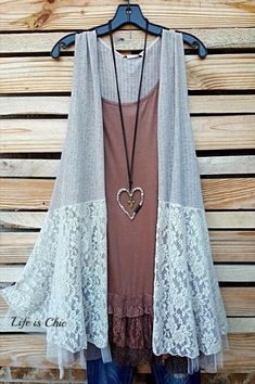 Bonjour mon amour lace tulle vest - taupe in 2019 products п Boho Fashion, Fashion Outfits, Fashion Ideas, Plus Size Clothing Online, Sewing Blouses, Tulle, Plus Size Boutique, Lace Jacket, Office Dresses