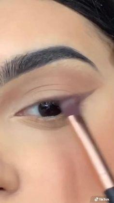 Edgy Makeup, Makeup Eye Looks, Makeup Art, Hair Makeup, Makeup Hacks, Simple Makeup, Makeup Tutorial Eyeliner, Makeup Looks Tutorial, Eyeshadow Makeup