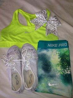 Nike Pros , Sports Bra , Nfinitys and , A super CUTEBow for an amazing Cheerleader with ✨STYLE✨