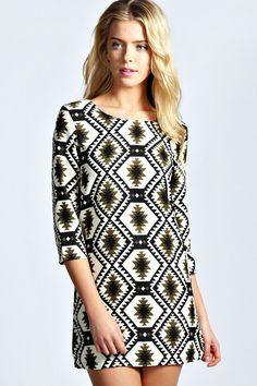Julia Diamond 3/4 Sleeve Shift Dress. LOVE