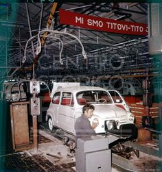 Collegamento permanente dell'immagine integrata Fiat 600, Italian Posters, Fiat Cars, Assembly Line, Fiat Abarth, Serbian, Industrial, Funny Images, Classic Cars