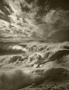 Surfing without colours. Ed Freeman, surf photography. No Wave, Big Waves, Ocean Waves, Ocean Ocean, Surf Mar, Ed Freeman, Photo Ed, Big Wave Surfing, Sky Surfing