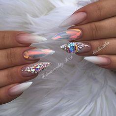 #mirrorfoil #swarovskinails #swarovskicrystals #swarovski #gelnails #babyboomer #whitenails #blinknails #luxuri #girls #fashion #nails2016 #pinknails #ombrenails