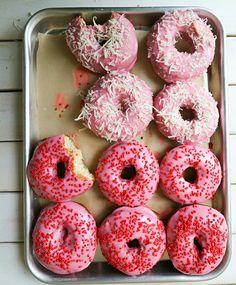 These donuts look SOOOOOOO mouthwatering!!!