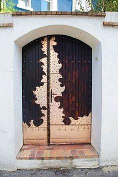 dior looking door... paris