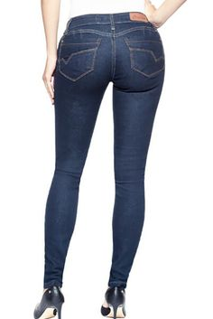 4b58de1e09a71 The Best Jeans for Women with Round Tummies