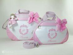Personalize com o nome do seu bebê! http://www.atelierose.com.br/kit-bolsa-maternidade-brasao-princesa-brsp-01032.html