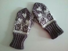 Mittens Pattern, Knit Mittens, Mitten Gloves, Cold Hands, Sewing, Knitting, Barn, Colors, Tricot
