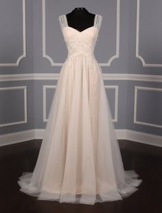 Austin Scarlett Amelia Wedding Dress on Sale - Your Dream Dress Discount Bridal Gowns, Discount Designer Wedding Dresses, Wedding Dress Chiffon, Wedding Dresses For Girls, Formal Dresses For Weddings, Wedding Gowns, Austin Scarlett, Minimalist Wedding Dresses, Wedding Dress With Pockets