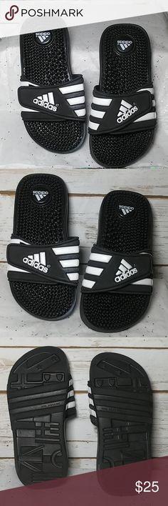 e5fa6b19b NWOT Adidas Adissage Slides Unisex size 1 Kids adidas adissage slide sandals  with Textile lining