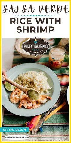 Looking for an easy shrimp recipe? This Salsa Verde Rice with Shrimp is light and versatile and perfect for summer! The shrimp is juicy, succulent, served over Mexican green rice and drizzled with bright and flavorful salsa verde. Mexican Food Recipes, New Recipes, Holiday Recipes, Delicious Dinner Recipes, Yummy Food, Bueno Recipes, Shrimp And Rice, Spicy Salsa
