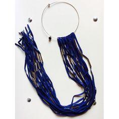 Collana quesQuello lunga blu con tubo quadrato color argento
