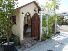庭小屋Anne1                                                       … Cabana, Patio Pergola, Tadelakt, Potting Sheds, She Sheds, Earth Homes, Natural Building, Spanish House, Earthship