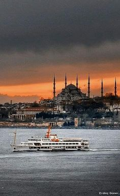 The charming city , istanbul. by : Erdinç Güner Hagia Sophia, Places Around The World, Around The Worlds, Bulgaria, Places To Travel, Places To Visit, Istanbul City, Istanbul Tours, Beautiful Places