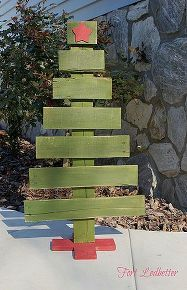 diy pallet christmas tree tutorial, christmas decorations, pallet, repurposing upcycling, seasonal holiday d cor, Attach the base to your trunk with brad nails Enjoy