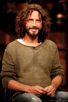 Chris Cornell OMG the most beautiful man on the planet....and the most awesome,e voice