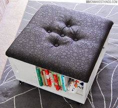 Paso a paso con fotos. Explicaciones en inglés. mon makes things: Storage Ottoman DIY