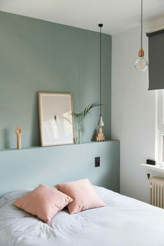 Shade of green for bedroom wall