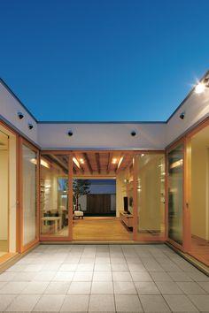 House Dream Modern Balconies 22 New Ideas Door Design, House Design, Japanese Modern House, Zen Place, Modern Balcony, Casa Patio, Thai House, Cafe House, Beautiful Houses Interior