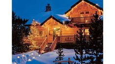 Newest Screen Log Homes christmas Suggestions When we start to research log homes , it speedily results in being evident that there is far more range when c. Tree House Decor, Log Home Living, Log Home Decorating, Living Magazine, Deck The Halls, Rustic Christmas, Rustic Chic, Log Homes, Christmas Decorations