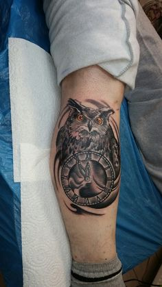 Owl with clock