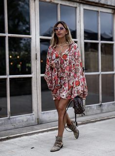 Net-A-Porter x Aylin Koenig - Chloé Susanna Boots & Louis Vuitton mini backpack palm spring