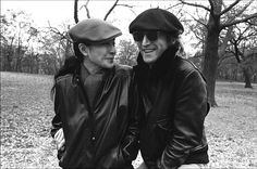 John Lennon and Yoko Ono take a stroll through Central Park in this intimate photo by Allan Tannenbaum. Buy a 1980 John Lennon and Yoko Ono photo today. John Lennon Yoko Ono, John Lennon Beatles, The Beatles, Big Kiss, The Fab Four, Cultural, Paul Mccartney, Central Park, Rock And Roll