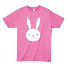 シンプルなウサギのイラストが特徴的なTシャツです。  うさぎのキャラクターがかわいく映えるデザイン☆  #kawaii #japanese #simple #character #design #graphic #infographics #Japan #minimal #fashion #tshirt