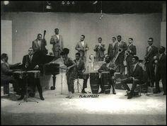 """CACHAO.....Israel López """"Cachao"""" (Muere en Miami, USA el 22 de Marzo del año 2008). Genial Contrabajista, Compositor, Arreglista y Director musical cubano. Creador del fenómeno musical denominado como """"Mambo"""" y de las famosas Descargas o """"Jam Sessions""""...AQUI CACHAO CON LA ORQUESTA DE TITO RODRIGUEZ... Sultans Of Swing, Holguin, Biographer, Director, Musical, Concert, Israel, Salsa, Miami"""