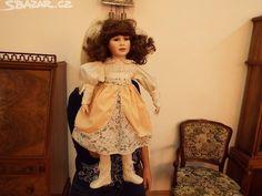 Velká porcelánová panenka s otočnou hlavou - obrázek číslo 6