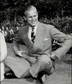 HRH Duke of Edinburgh pictured in the gardens at Clarence House in London. Hm The Queen, Save The Queen, Prinz Philip, British Monarchy History, Kingdom Of Great Britain, Princess Anne, King George, Prince Charles, Celebrities