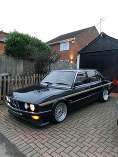 Bmw E24, Bmw 635csi, Bmw E30 325, Bmw Hybrid, Bmw M Power, Bmw Classic Cars, Old School Cars, Classy Cars, Bmw Series