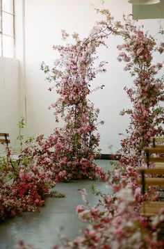27 Beautiful Floral Wedding Arches To Swoon Over 1 - Fab Mood | Wedding Colours, Wedding Themes, Wedding colour palettes