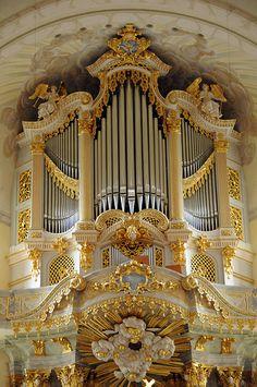 Organ in Frauenkirche, Dresden, Germany   #TuscanyAgriturismoGiratola