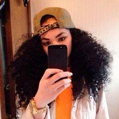 Cabelo cacheado e cabelo crespo com boné: pode sim! – Blog Juba de Leoa por Vivi Najjar