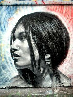 Fonki 514 - street art - Paris 20, rue denoyez (juil 2014) Triad colours