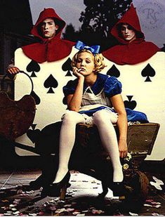 Drew Barrymore photographed by Mark Seliger for Rolling Stone, 1994 as Alice In Wonderland. Alice In Wonderland is a well-known Monarch mind control programming theme, and many child stars are Monarch victims, including Ms. Lewis Carroll, 1990 Style, Mark Seliger, Chesire Cat, Jenifer Aniston, Adventures In Wonderland, Alison Wonderland, Through The Looking Glass, Illuminati