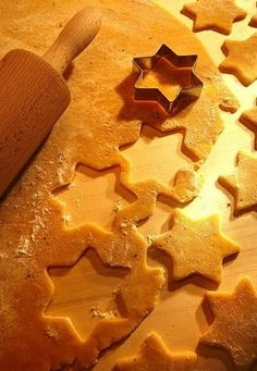 Christmas Cookies, Cookie Cutters, Food And Drink, Cooking Recipes, Xmas, Kitchen, Funny, Kitchens, Biscuits