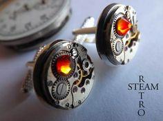 Elegante y discreto en su diseño, estos gemelos unisex ofrecen una muestra de Steampunk con cristales Swarovski  en fuego opal! Hecho de mecanismos d