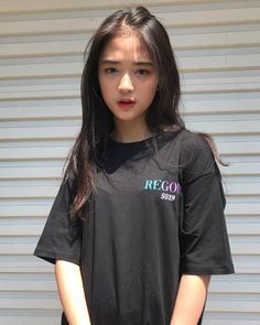 @regods 🌐 Korean Girl Photo, Cute Korean Girl, Asian Girl, Ulzzang Hair, Ulzzang Korean Girl, Girl Photo Poses, Girl Photos, Cute Japanese Women, Uzzlang Girl
