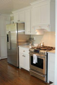 Nice petite kitchen